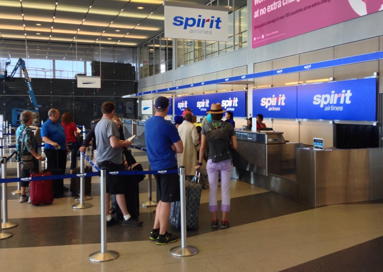Spirit_Airlines_Check_In,_10000_West_O'Hare_Ave,_Chicago,_IL_60666,_USA_-_Jun_2014